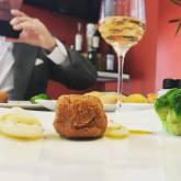Midollo alla milanese , cipolle bianche candite , sugo di carne allo zafferano ZAFFERANZA e broccoli